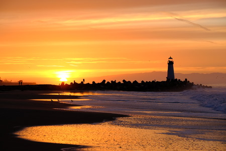 santa cruz: Santa Cruz Breakwater Light (Walton Lighthouse) at sunrise, Pacific coast, California, USA