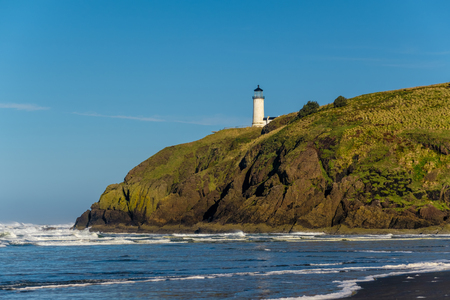 desilusion: North Head Lighthouse at Pacific coast, Cape Disappointment, built in 1898, WA, USA Foto de archivo