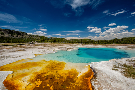 Hot thermal spring Sapphire Pool in Yellowstone National Park, Biscuit Basin area, Wyoming, USA Archivio Fotografico