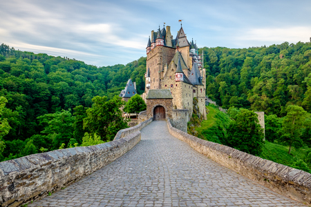 Burg Eltz castle in Rhineland-Palatinate state, Germany. Construction started	prior to 1157. 免版税图像 - 103484206