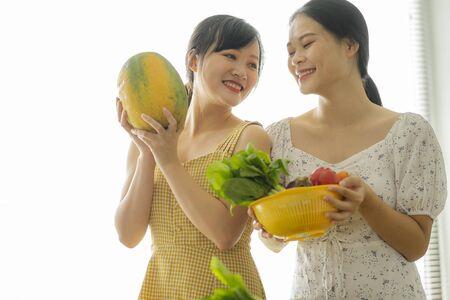 2 girls cooking