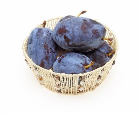 prune: Prune in a basket