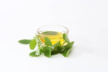 the perilla oil in the glass bowl Foto de archivo - 128891821