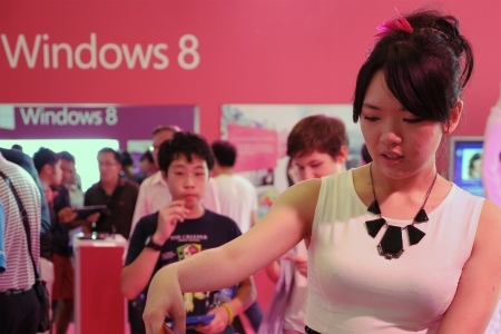 Windows 8 Launch Pink Fashion Booth at the Esplanade Theatre, Singapore. Stock Photo - 15942920