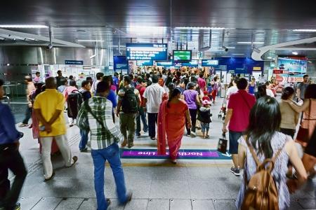 週末群衆ハーバー ・ フロント駅シンガポール