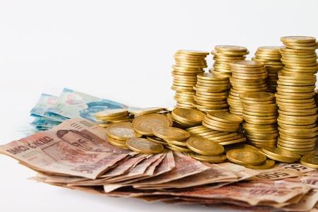 mucho dinero: pesos mexicanos de dinero, monedas y billetes de banco �pice copyspace