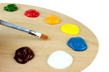 tempera: Paint brushes, colors and pallet