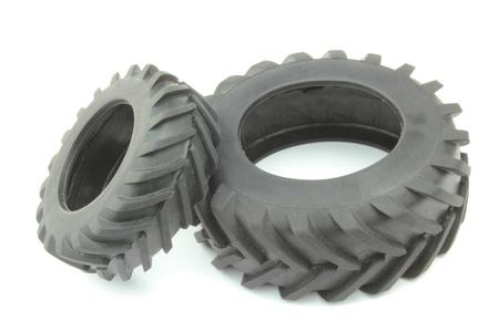 neumaticos: Neumáticos del tractor en el fondo blanco