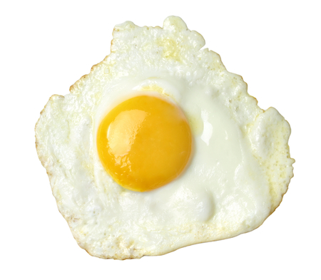 huevos fritos: Huevo frito aislado en fondo blanco