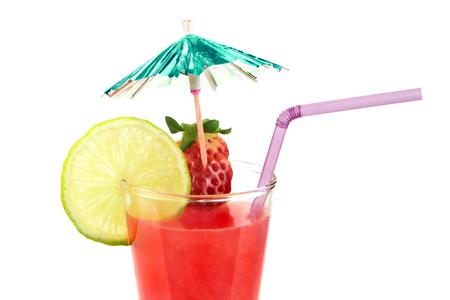 jugo de frutas: Ex�tico c�ctel de jugo de fruta, sobre fondo blanco Foto de archivo