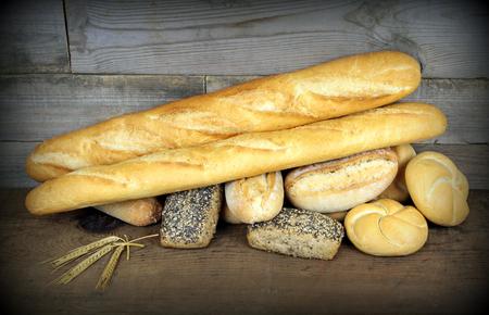 バゲットと様々 なパン