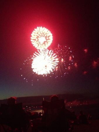 Fireworks light up the sky a nice shade of red Stok Fotoğraf