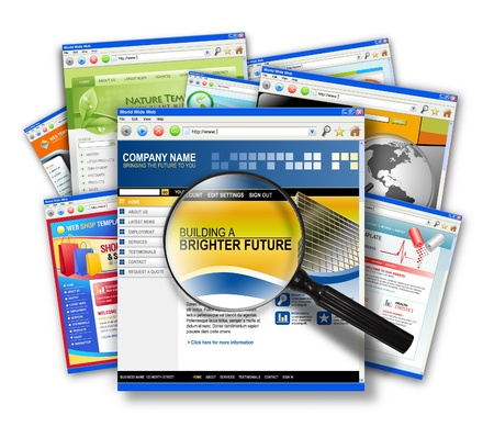 Een stapel van internet websites met een zoekopdracht vergrootglas
