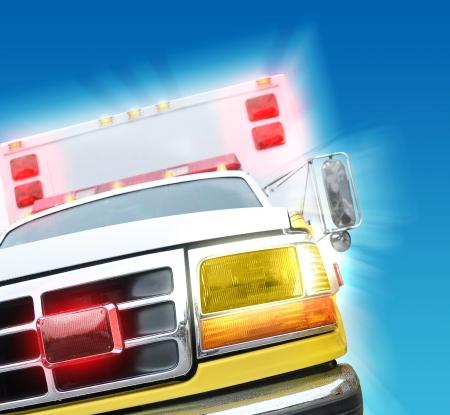 Een 911 ambulance truck is haasten met snelheid op een noodsituatie met gloeiende licht sirenes op een blauwe achtergrond.