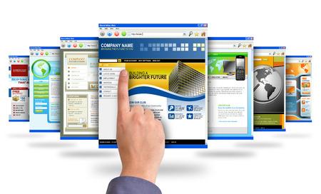 Una mano masculina tocar la interfaz web Foto de archivo