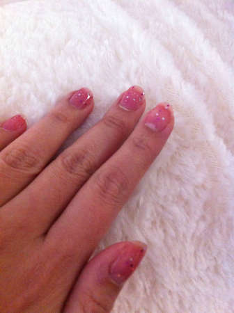 Nails in pink glittering