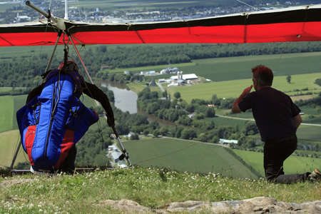 hang-glider ready to jump. Banque d'images