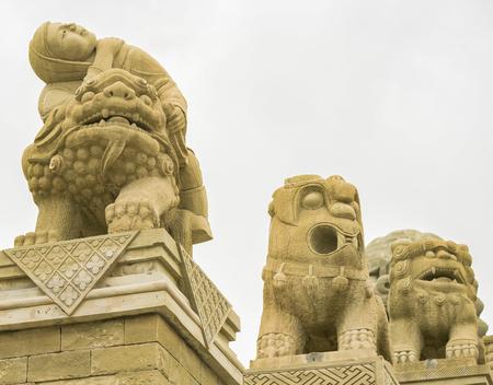 중국의 섬서성, Yulin시, Suide 카운티, 황토 문화재, 시시 스퀘어 석재 조각 예술