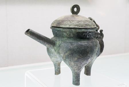 山西省博物館でジンの墓から掘り出された西部の青銅 写真素材 - 85519395