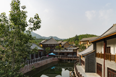 The Western Evergreen Tourist Resort is a comprehensive tourist resort with six functions of comprehensive reception, ecological sightseeing, folk culture, business services, recreation and fitness, and leisure residence in Luquan District of Shijiazhuang 新聞圖片