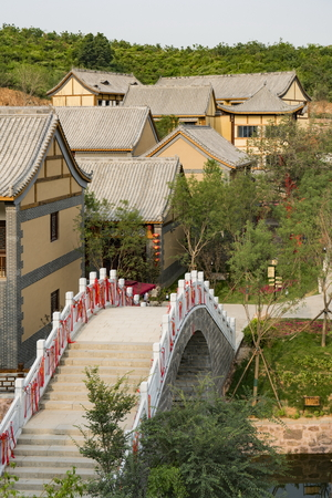 The Western Evergreen Tourist Resort is a comprehensive tourist resort with six functions of comprehensive reception, ecological sightseeing, folk culture, business services, recreation and fitness, and leisure residence in Luquan District of Shijiazhuang City.