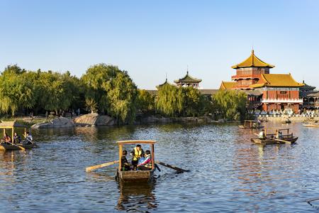 China, Henan Province, Kaifeng City, China Hanyuan Scenic Area and 2018 Kaifeng International Chrysanthemum Exhibition 新聞圖片