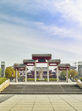 Memorial Arch in Yuxi Garden, Fuyang City, Henan Province, China 報道画像