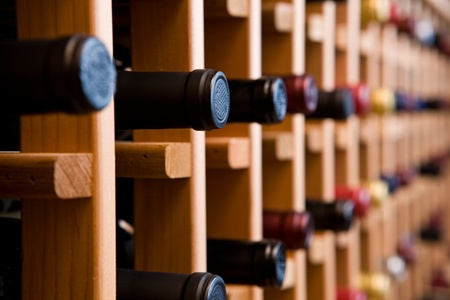 Wijnflessen In Rek