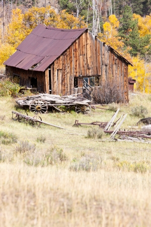 Old Barn in Fall Stock Photo - 17006184