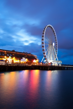 market place: Seattles Great Wheel, a ferris wheel on the waterfront. Editorial