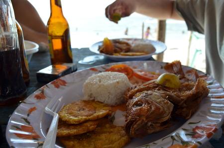 plato de pescado: Plato Pargo Pescado