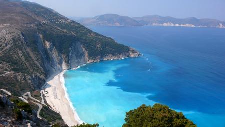 cefalonia: KEFALONIA, GREECE - SEPTEMBER 8, 2012: Landscape of Myrtos beach, Kefalonia, Ionian islands, Greece Editorial