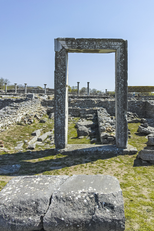 Ancient Entrance at archaeological site of Philippi, Eastern Macedonia and Thrace, Greece Banque d'images - 123113738
