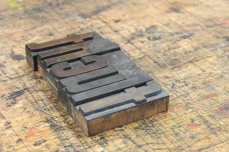 Wort Flucht aus Holzbuchstaben auf Holz Stock Photo