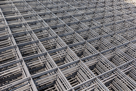 鉄ワイヤーは、道路工事の基本構造を使用します。 写真素材