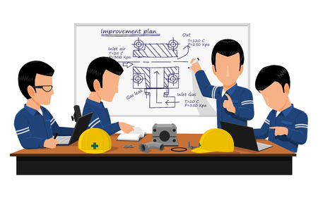 Quatre ingénieurs se rencontrent au sujet du plan d'amélioration de la machine dans la salle de réunion