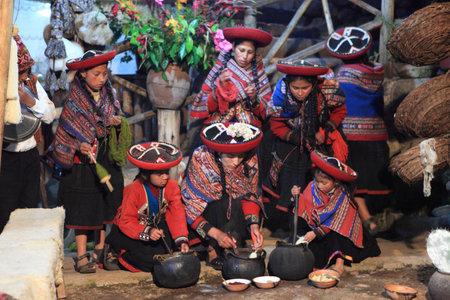 indios: Historic Women in Peru