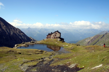 tauern: House in the Alps