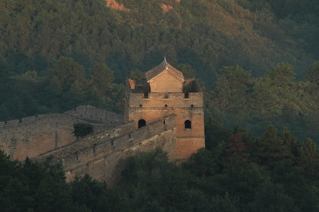 muralla china: The Chinese Wall at Jinshanling with Sunrise early in the Morning