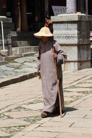 bouddhisme: Bouddhisme moines en Chine