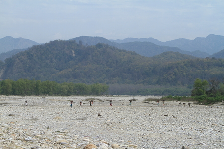 fetch: River landscapes in North India