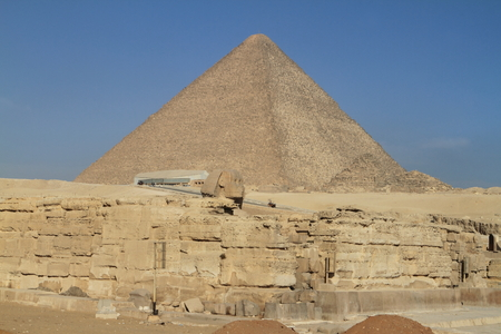 sphinx: Las Pirámides y Esfinge de Egipto Foto de archivo