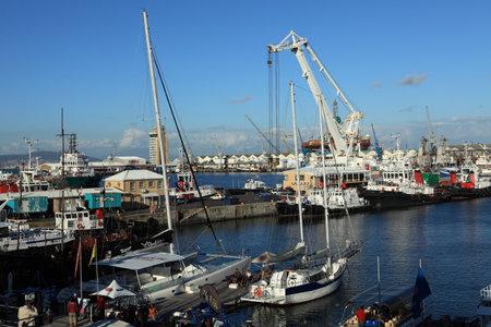 cycles: El puerto industrial de Ciudad del Cabo en Sudáfrica
