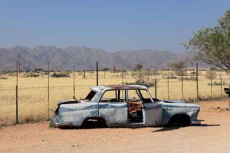 ferraille: Carcasses de voitures en Namibie