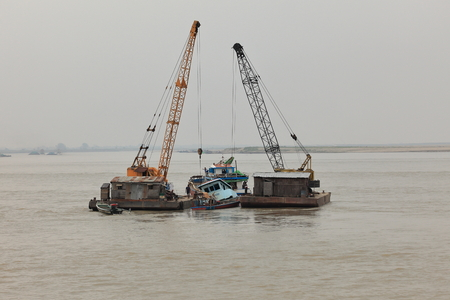 Shipwreck salvage on the Irrawaddy