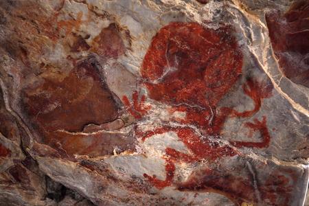 pintura rupestre: Oscilar pinturas y pintura de cuevas en la Caatinga de Brasil Foto de archivo