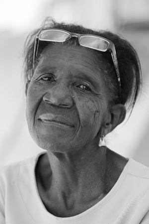 ojos tristes: Mujer con los ojos tristes de Brasil Foto de archivo