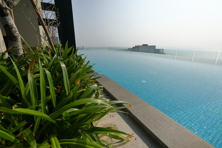 Infinity swimming pool in Colombo