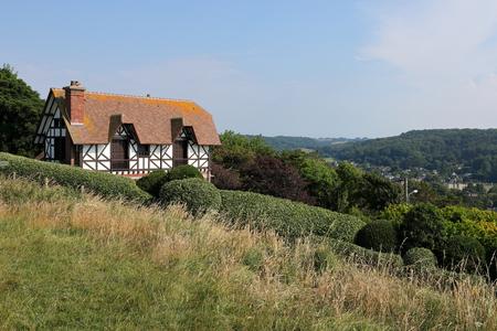 Maison à colombages historique en Normandie