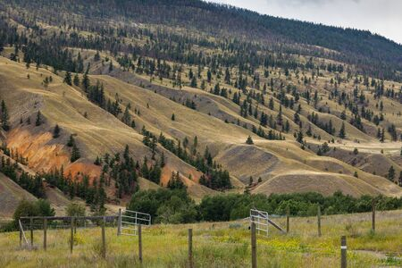 Painted Hills of Cache Creek in Canada Imagens